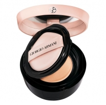 To Go Essence in Foundation Tone Up Cushion