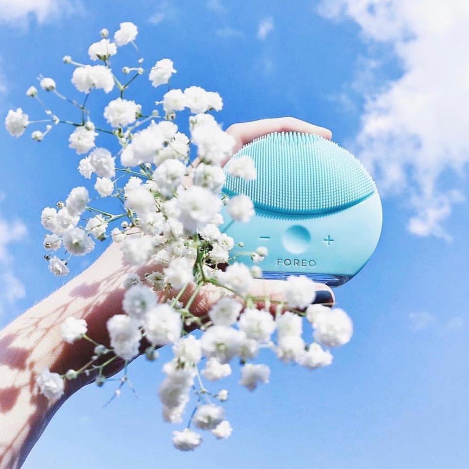 Luna 2 Mini Facial Cleansing Device